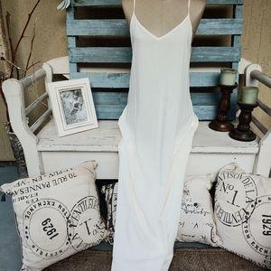 Maxi dress shell white beautiful never worn!